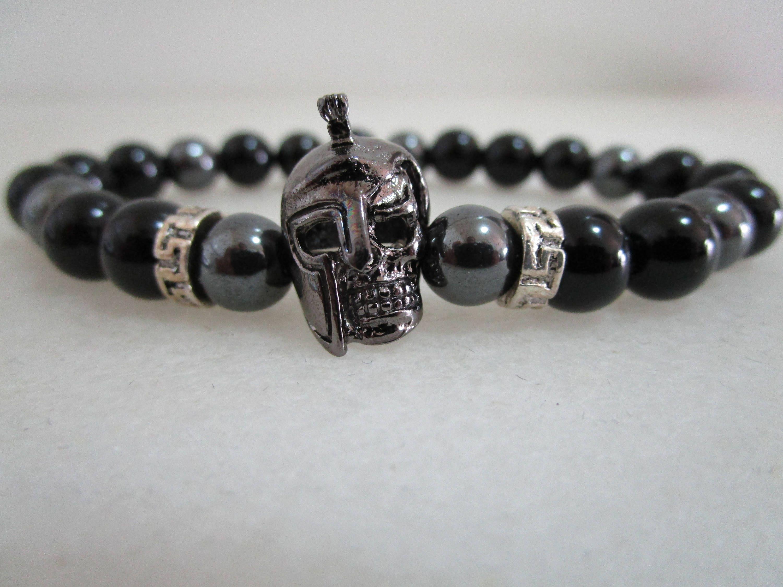9ba35ce56ccb Pulsera espartana pulsera de onix y hematita pulsera piedras naturales  casco espartano gunmetal regalo para hombre