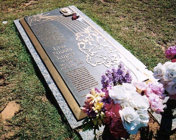 Lisa left eye Lopes gravesite  Death 2ur