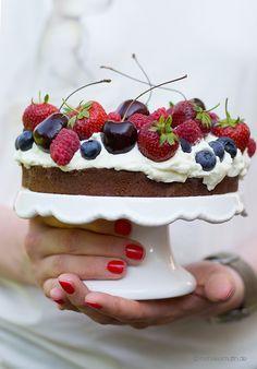 Beeren Brownie Torte Unten Saftiger Brownie Teig Daruber Eine Susse