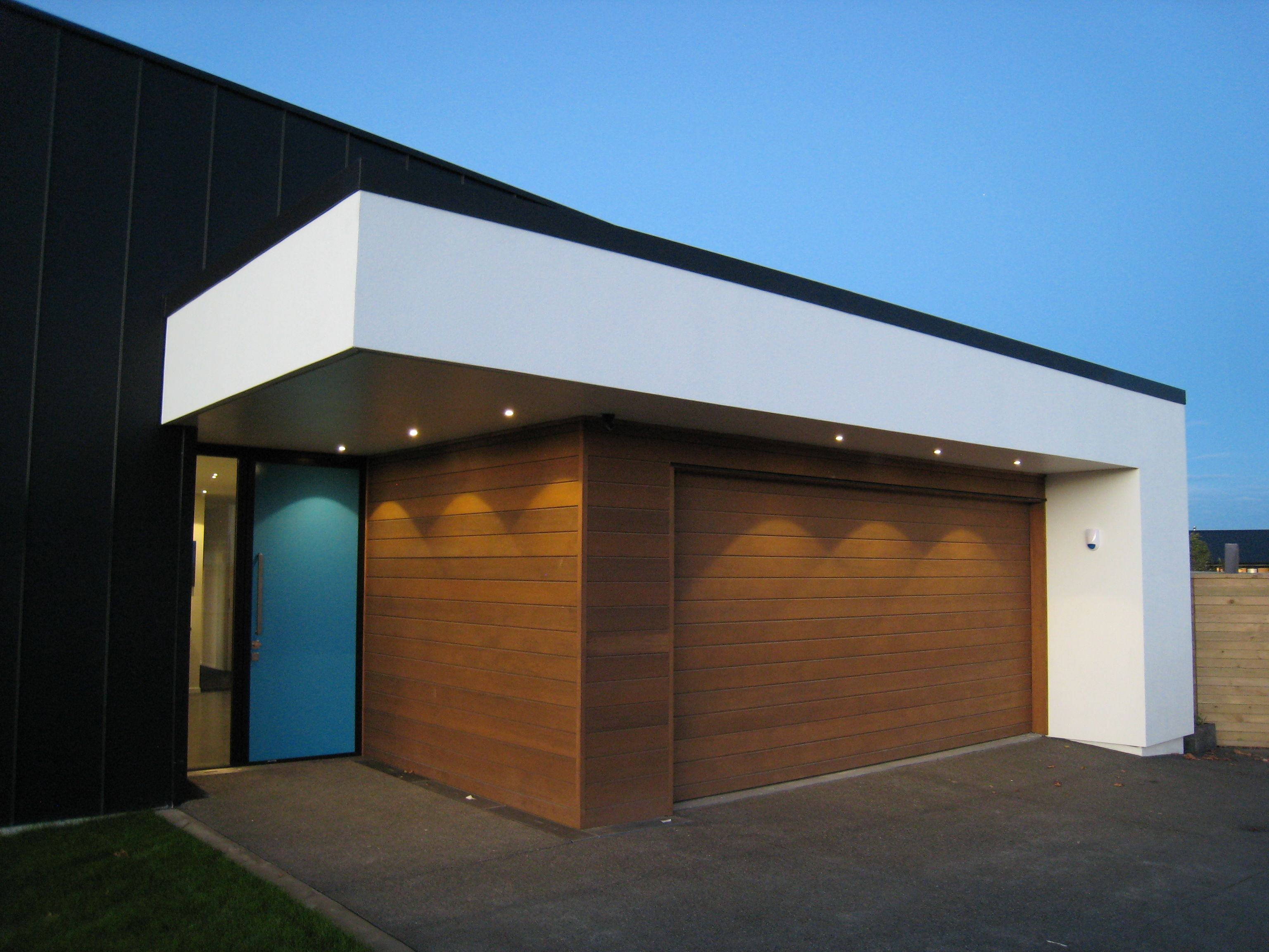 This Wide, Well Lit And Level Entry Entrance From A Higham Architecture  Home Is