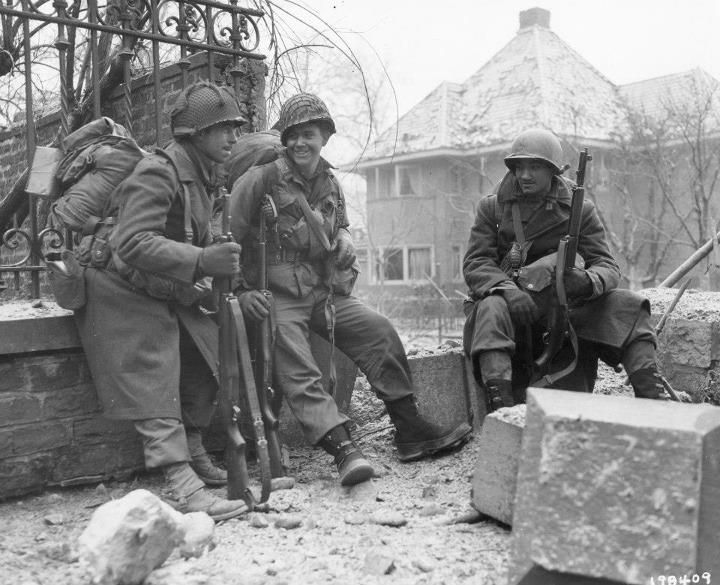 battle of the bulge photos | Stuff n Things - Taking a brief rest at the Battle of the Bulge