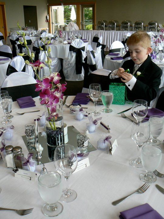 Simple But Elegant Centerpieces Fill Cylinder Vases Full With Glass Rocks Place On Square Or Round Mirror