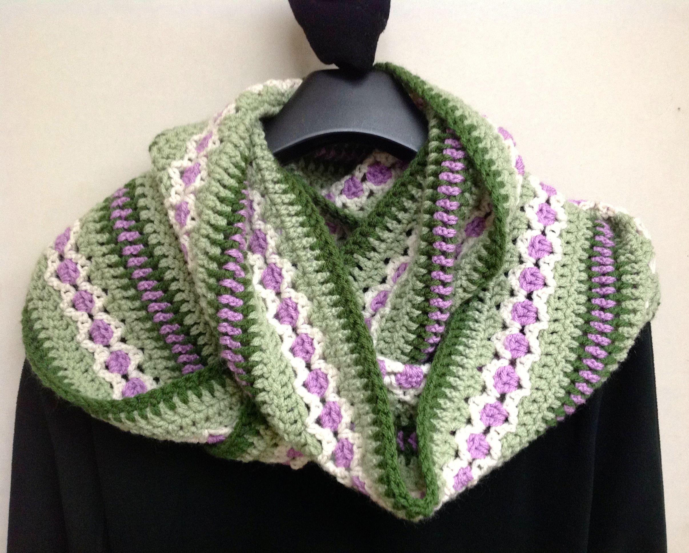 Free crochet pattern at Ravelry http://www.ravelry.com/patterns ...