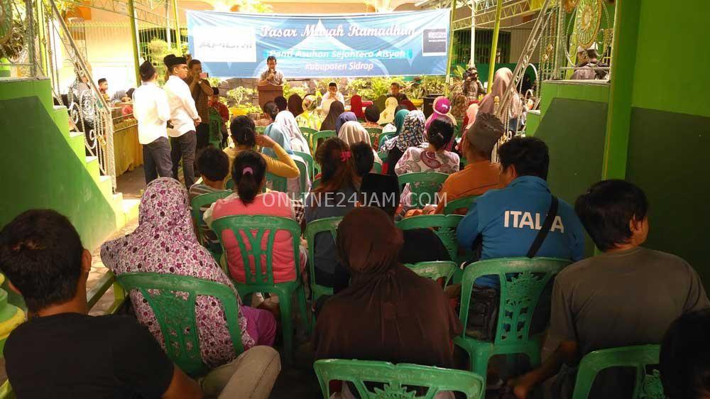 Sekretaris DPW Nasdem Sulsel Salurkan Sembako Murah di Sidrap