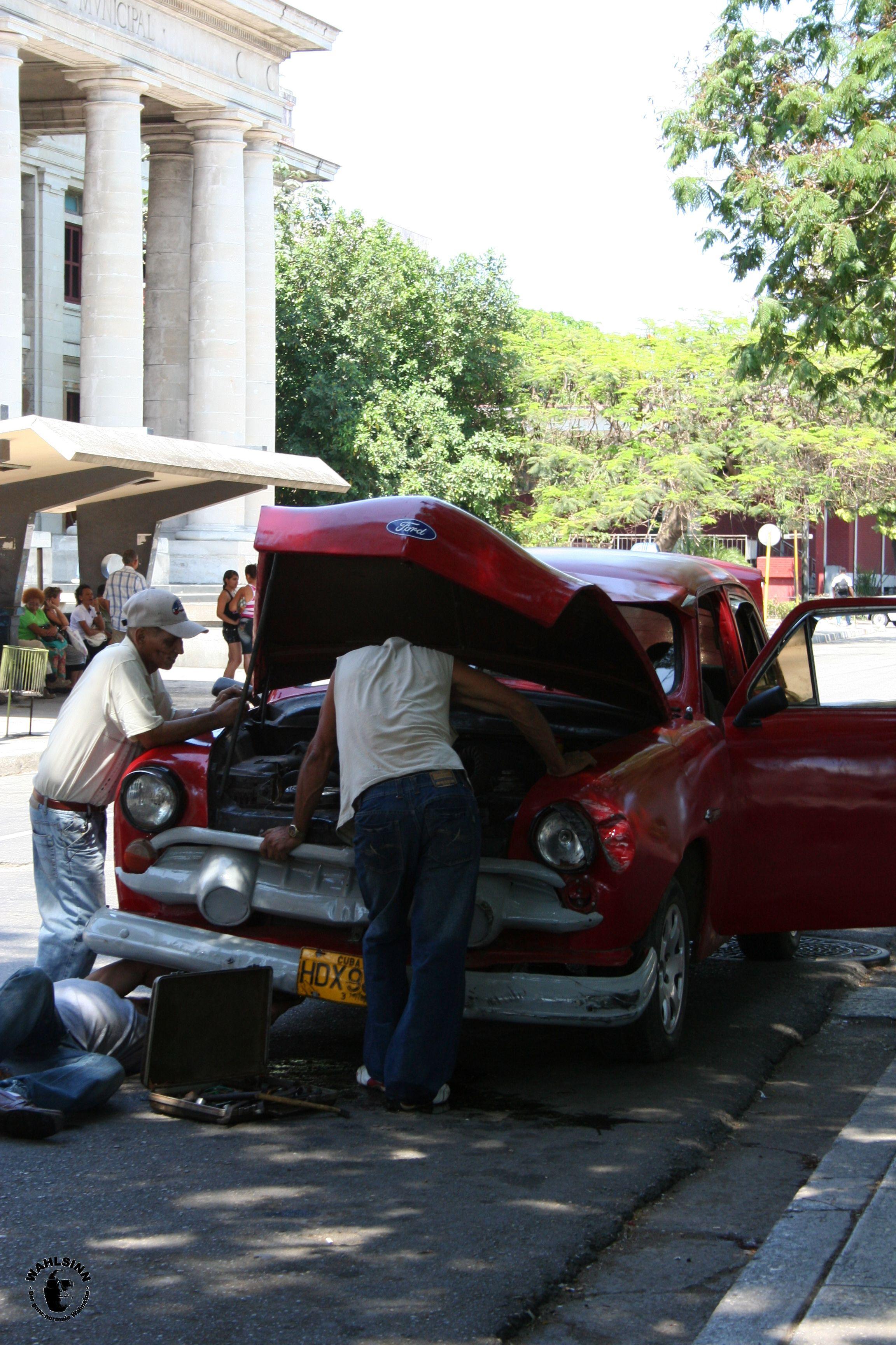 Das Leben spielt sich auf der Straße ab // Havanna (Kuba)