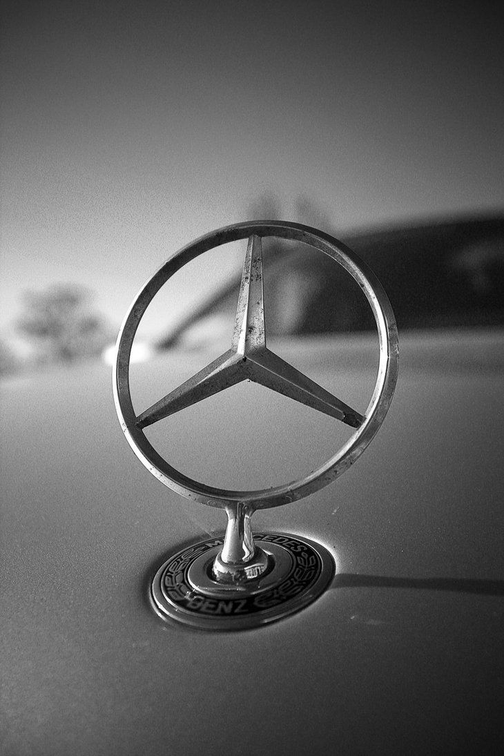 Mercedes benz logo badge emblem star mercedes for Mercedes benz sign in