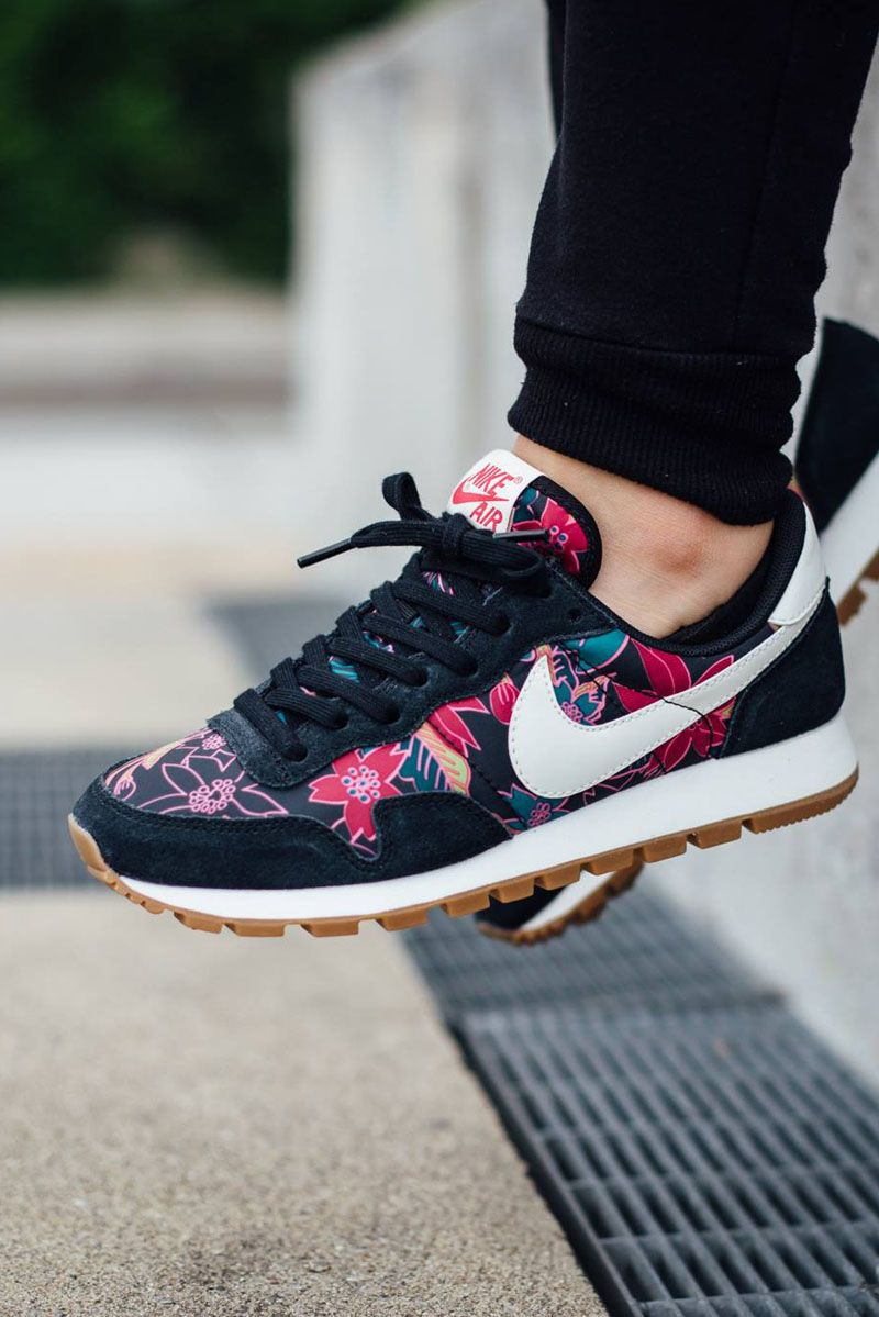 uk availability aefa2 26840 Wmns Air Pegasus  83 Print