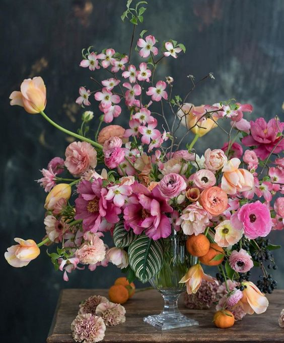 Eye Candy Pinterest Favorites This Week The English Room Flower Arrangements Wedding Flowers Beautiful Flower Arrangements