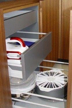 Moderne Küche - Auszieheinrichtung