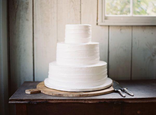 rustic-wedding-plain-white-cake - Once Wed | Simple weddings ...