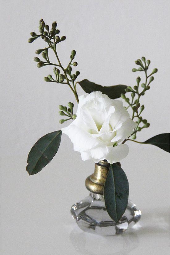 Turn Your Old Door Knobs Into Vases Florals For Wedding Amp Everyday Old Door Knobs Old Doors