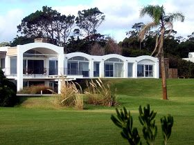 Antonio Bonet Castellana, arquitecto  Casa Berlingieri  Punta Ballena (Maldonado), Uruguay. 1946-1947   Fotografías: Aldo Facho Dede - 2011 ...