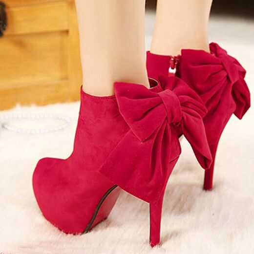 Red bow short boots