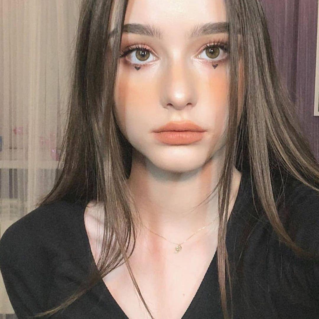 Whats Your Opinion On The Egirl Eboy Trend Venusfits Aesthetic Girl Beauty Girl Ulzzang Girl