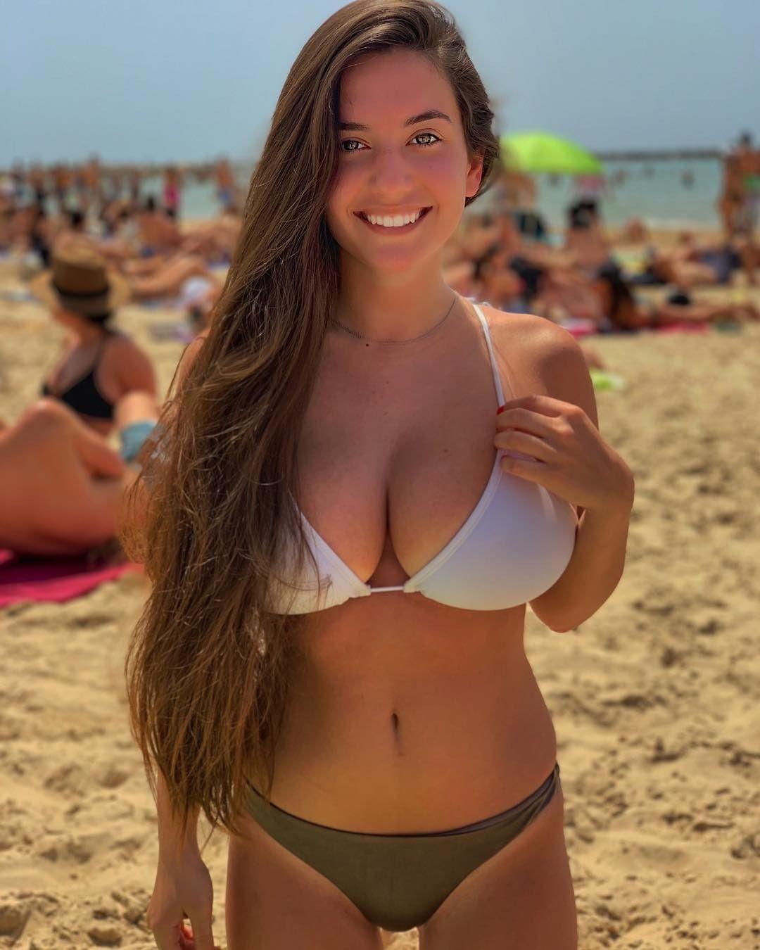Busty Bikini Pics
