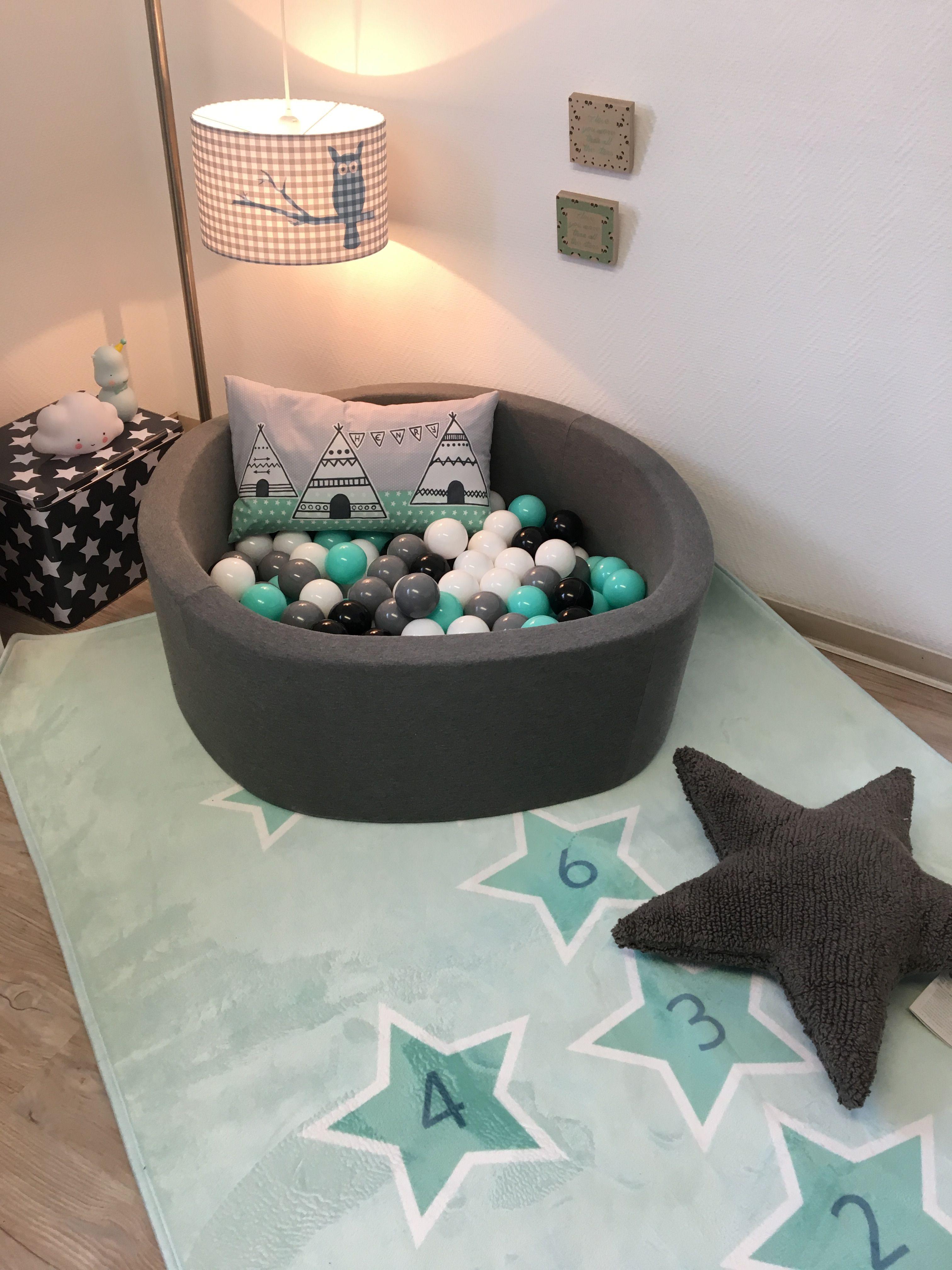Wundervolles Bällebad - in Farben ganz nach Wunsch zusammen stellen ...