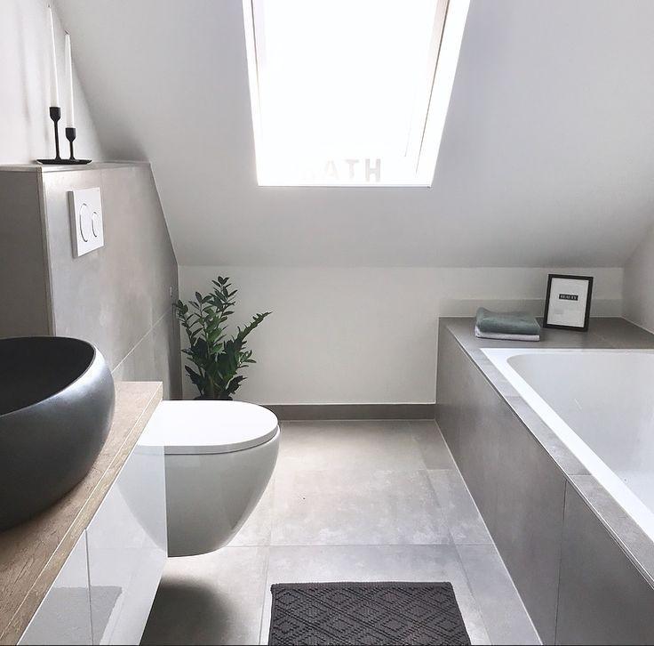 Photo of Master Bathroom: Betonoptik, schwarz, Holz, grau – My Blog