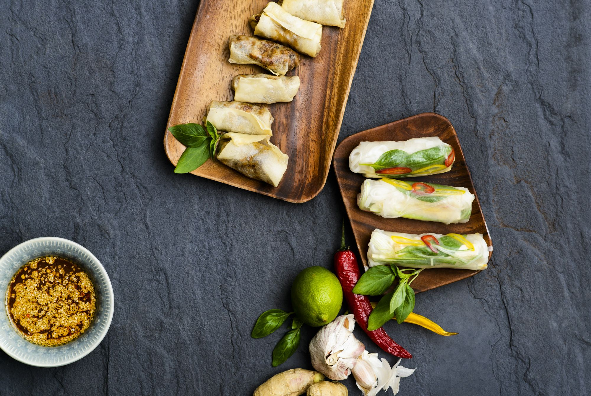 Fresh & fried spring rolls. With mushrooms/coriander and thai basil/coriander/mint/mango/tofu/
