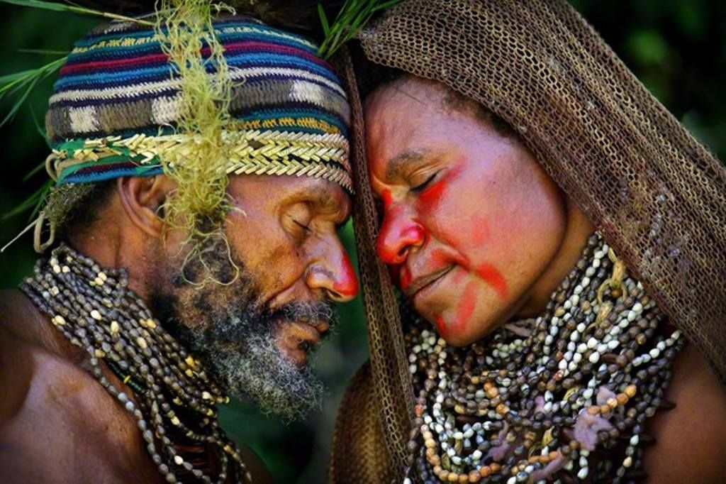 Maisin ethnic group. Family of the Central Highlands, Papua New Guinea