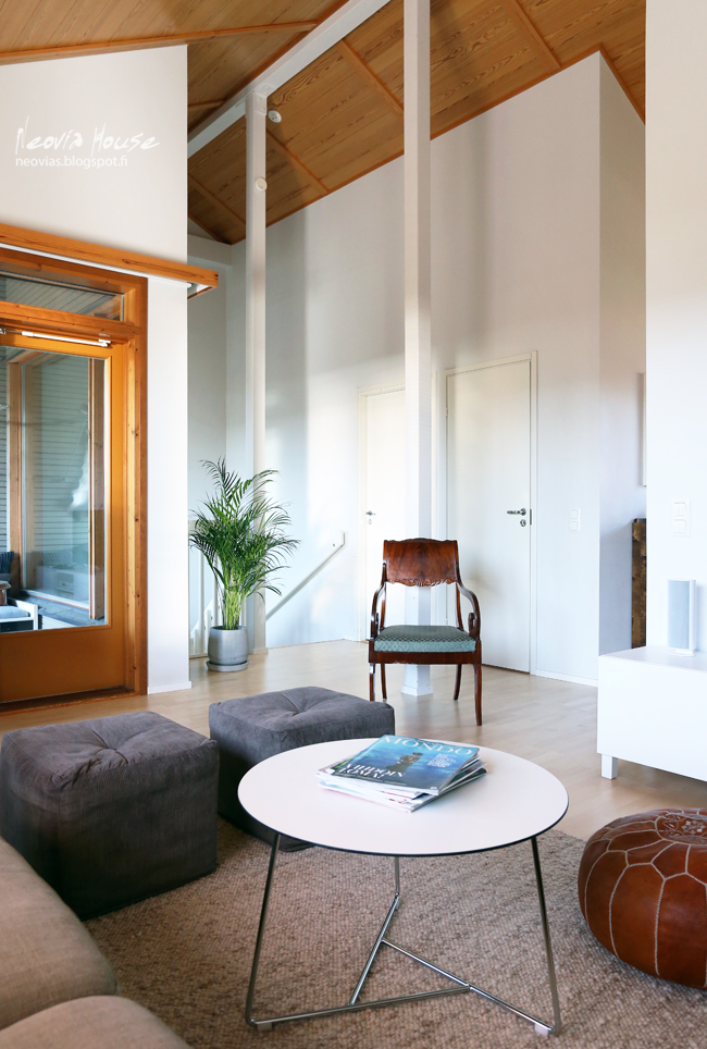 neovia house: Kultapalmu // Areca Palm Tree