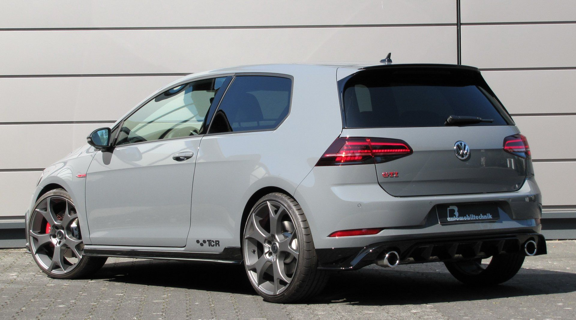 450ps Vw Golf Gti Tcr Is One Brave Fwd Mega Hatch Volkswagen