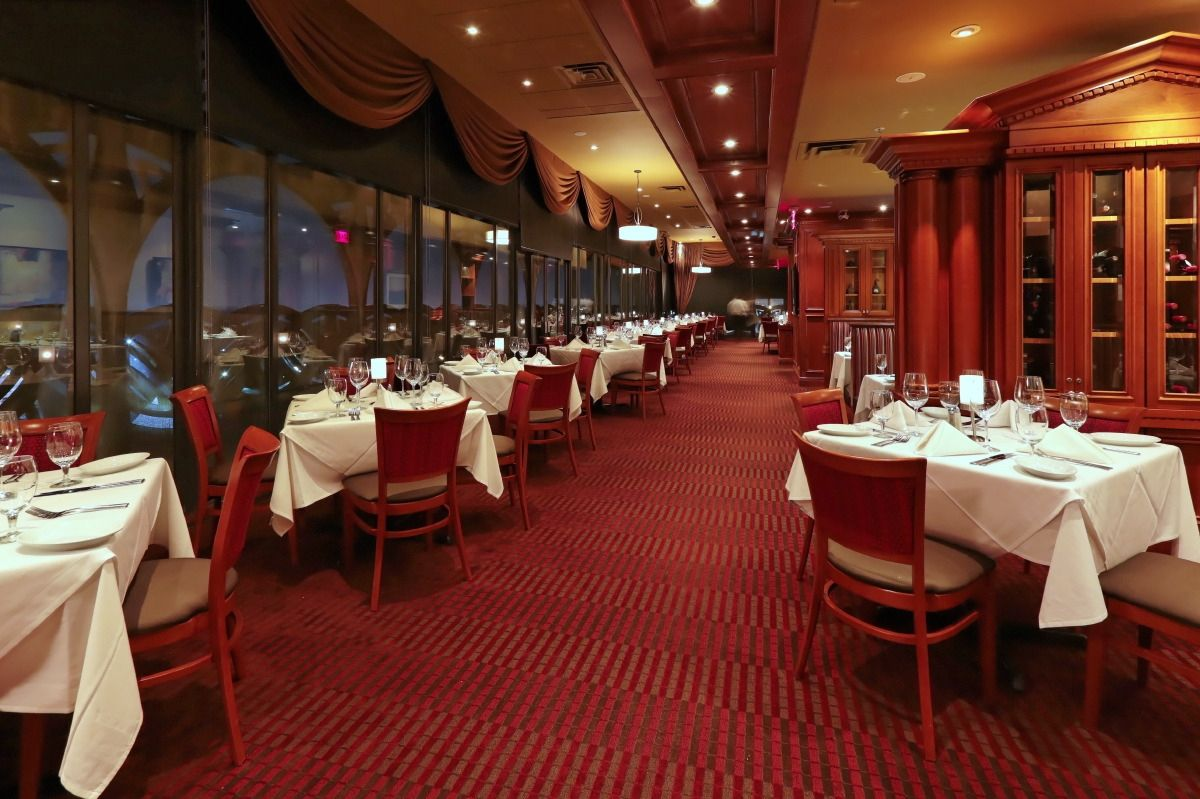 Ruth S Chris Steakhouse Prime Steak House And Restaurant In Louisville Kentucky