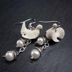 """Boucles romantiques mariage """"doves in love"""", colombe & perles/Karol-de-Laleu sur ALittleMarket"""