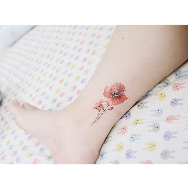 : Poppy 🌸 양귀비 . . #tattooistbanul #tattoo #tattooing #poppy #poppytattoo #flower #watercolortattoo #flowertattoo #equillatera #colortattoo #tattoomagazine  #tattooartist #tattoostagram #tattooart #tattooinkspiration #타투이스트바늘 #타투 #컬러타투 #수채화타투 #꽃타투 #양귀비타투