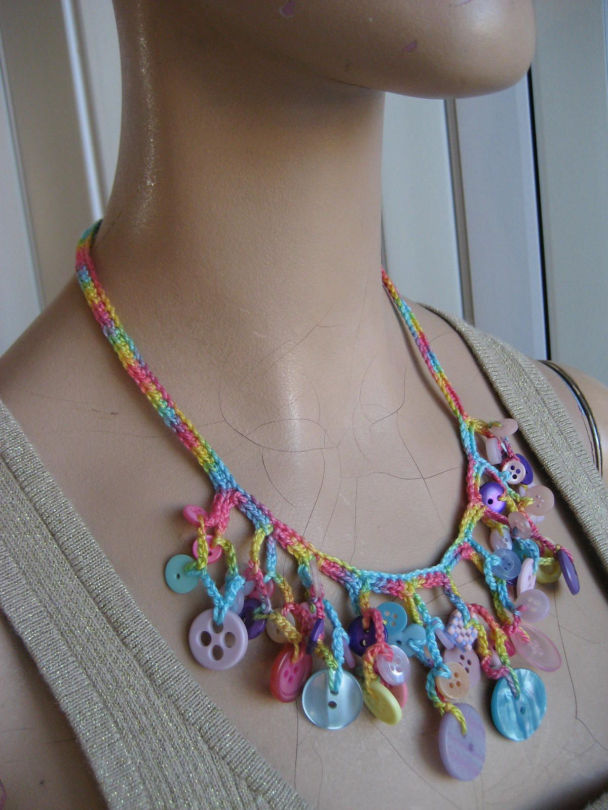 Ravelry: justbehappy\'s Crochet Necklace with Buttons | ACCESORIOS ...