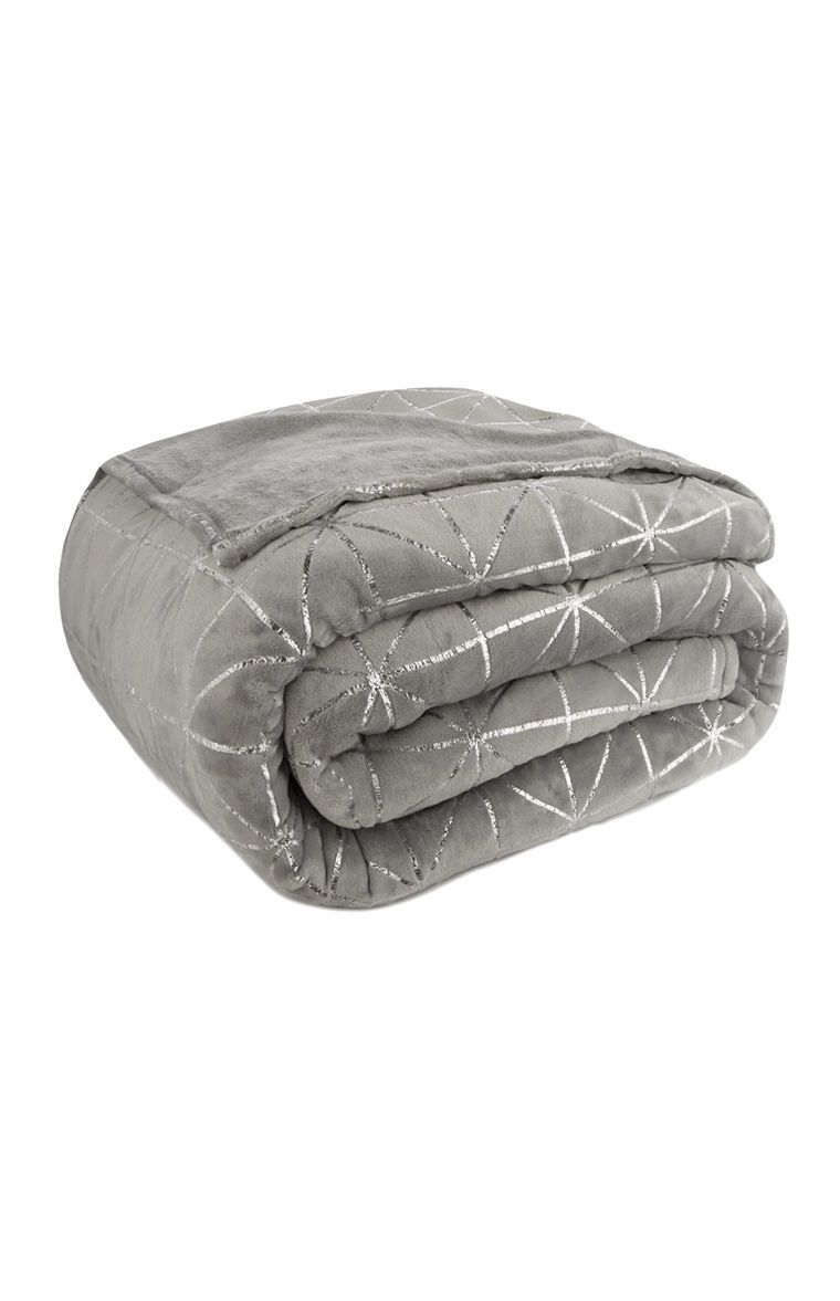 Primark - Grey Geometric Supersoft Blanket  0a5b65da02