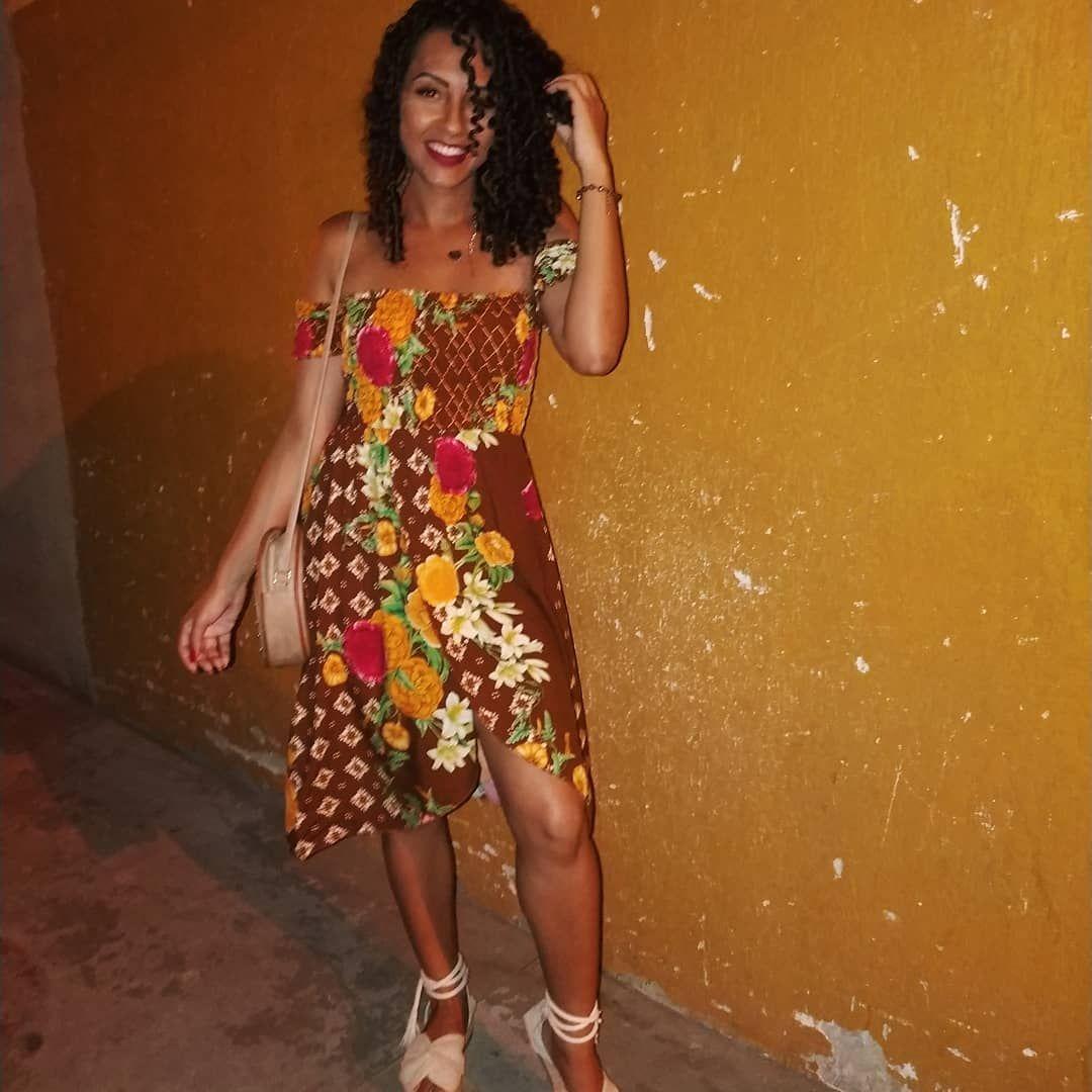 Sobre um dia maravilhosoo com esse vestido mais maravilhosooo ainda 💘🌺🌻🌼🍂 . Dress: @_usemeraki . . . . #oigentê #batom #batomvermelho #sorriso #red #garotastumblr #fotostumblr #meninatumblr #girls #girl #girlpower #power #cacheadasporamor  #cacheadas #chocolate #cachostumblr #cacheada #gratidão #cachos #Rapunzel #blogueira #youtubercacheada #haircut #hair #hairstyle #cachosperfeitos #amores  #cachoscurtos #lookdodia