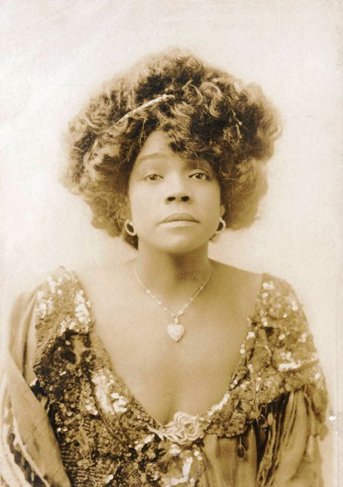 Aida Overton Walker in 1907    Aida Overton Walker, born in 1880. She was a singer, dancer, actress, and choreographer, regarded as the leading African-American female performing artist at the turn of the century.