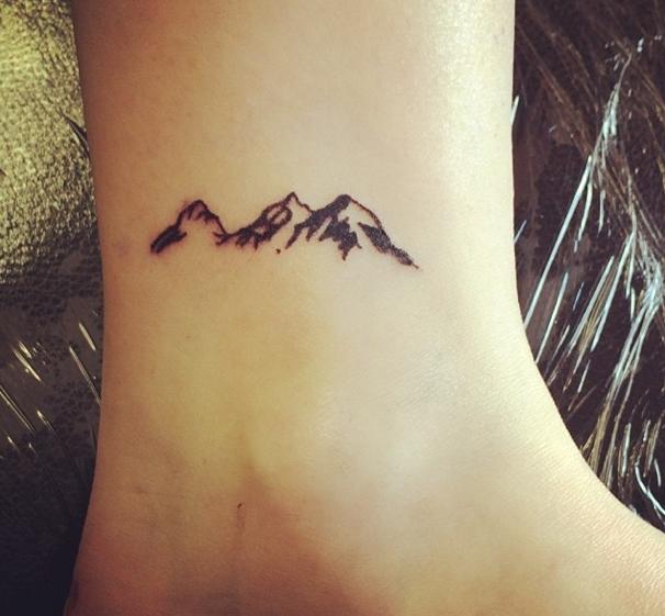 40 cute small tattoo ideas for girls tattoo mountain tattoo and tatting. Black Bedroom Furniture Sets. Home Design Ideas