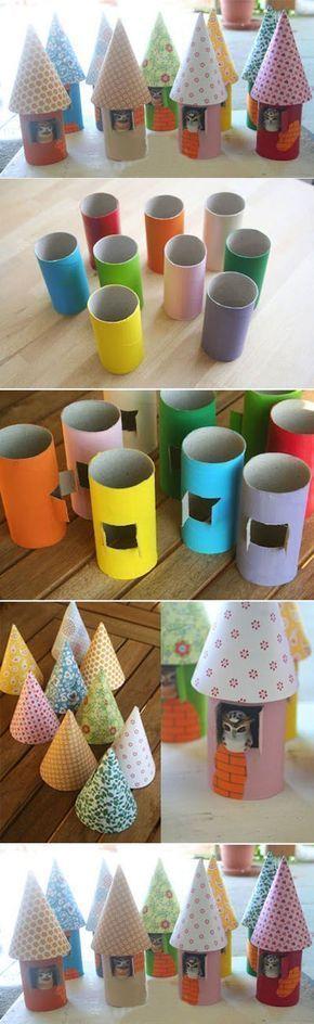 Activites Enfants Bricolage Petites Maisons Avec Des Rouleaux De Papier Toilette Pq Fait Maison Di Decor De Noel Bricolage Bricolage Cool Activite Enfant