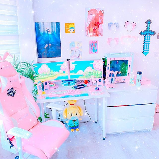 Mochi Tiktok 1 7 Million On Instagram Had To Move Everything Back Home Since University Closed Video Game Room Design Game Room Design Gamer Room Decor