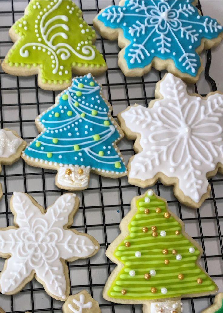 Royal Icing Christmas Cookies.Sorta Fancy Decorated Sugar Cookies