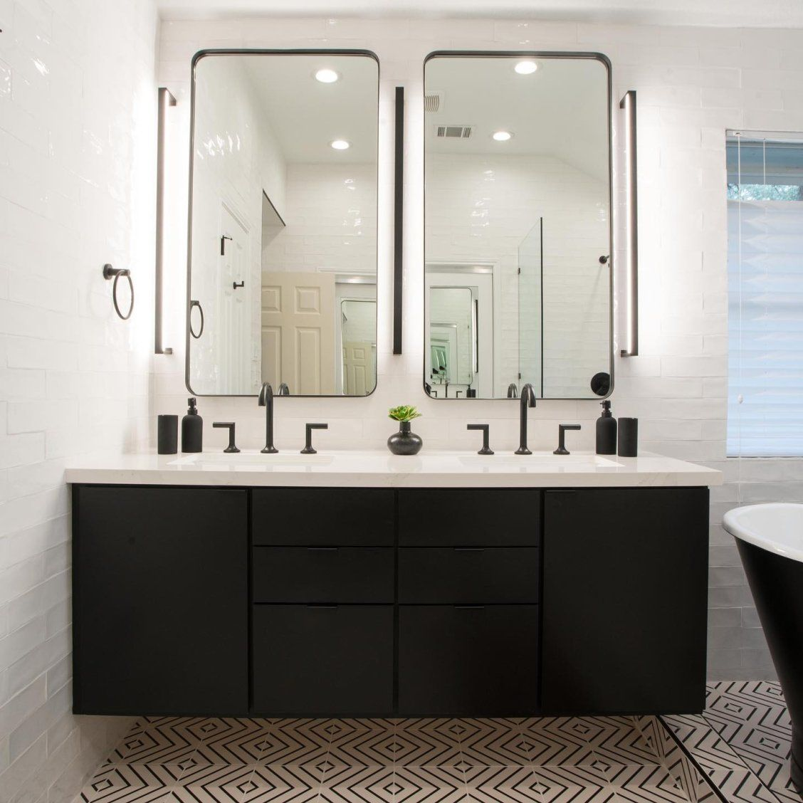 Thin Line Led Wall Bar Master Bathroom Vanity Bathroom Design Bathroom Remodel Master