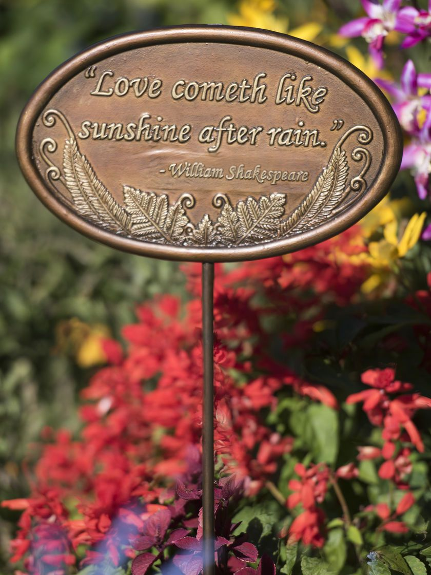 Wall Plaques - Love Like Sunshine Garden Plaque - Decorative Plaque ...