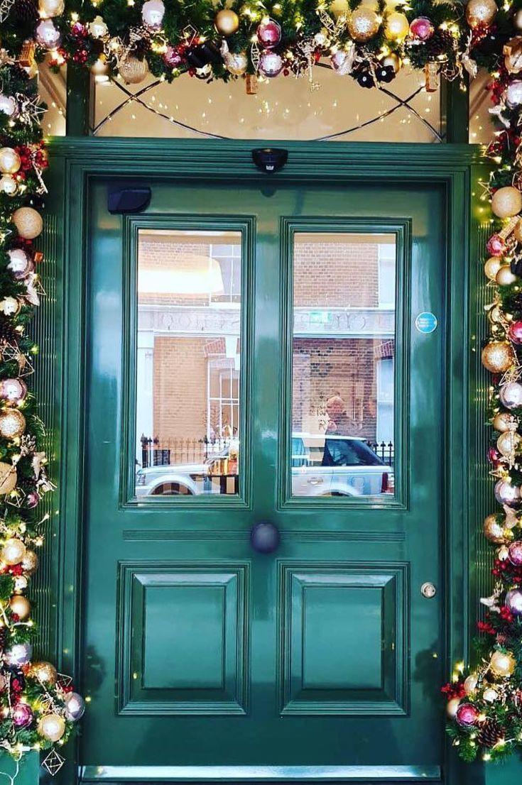 35+ Free Stunning Christmas Front Doors Decoration Ideas New 2020 - Page 10 of 35 #christmasdoordecorationsforwork