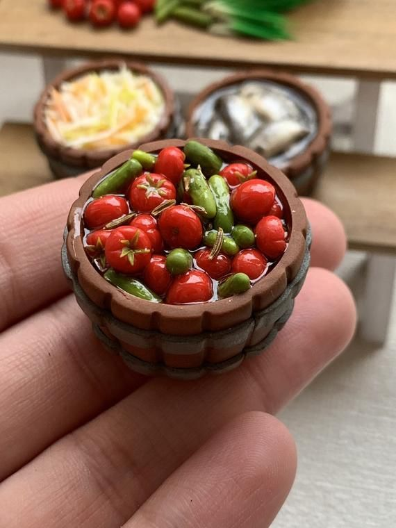 Pickled tomatoes Dollhouse miniature 1//12