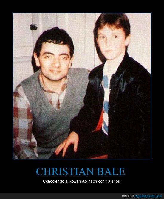 CHRISTIAN BALE - Conociendo a Rowan Atkinson con 10 años