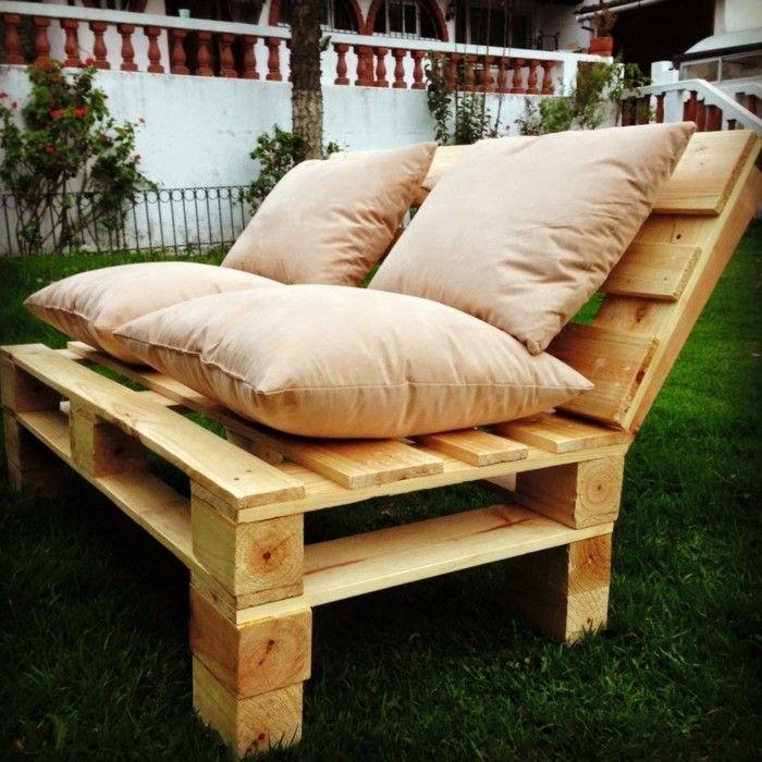 Arredamento con bancali divano in pallet fai da te for Divano fai da te