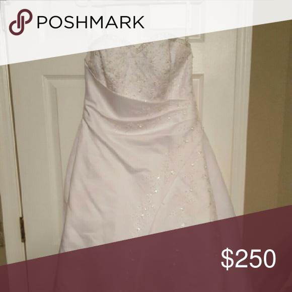 Davids Bridal Wedding Dress Beautufil White wedding dress with long train Davids bridal Dresses Wedding