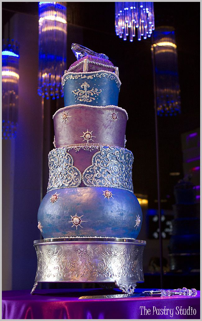 Baroque-Gilded Wedding Cake by The Pastry Studio