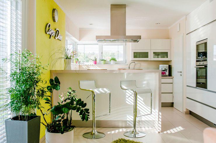 kleine moderne k che mit viel platz und charme home decor home furniture. Black Bedroom Furniture Sets. Home Design Ideas