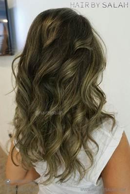 صبغة شعر اشقر رمادي زيتي الانواع و طريقة الصبغ و اجمل صور Ash Green Hair Color Hair Color Images Green Hair