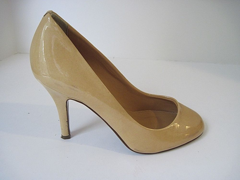 3816cafcb J Crew Nude Patent Leather Round Toe Classic Pumps Size 6 Made In Italy # JCrew #PumpsClassics #Casual