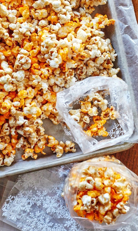 ChicagoStyle Popcorn Recipe Popcorn recipes, Snack