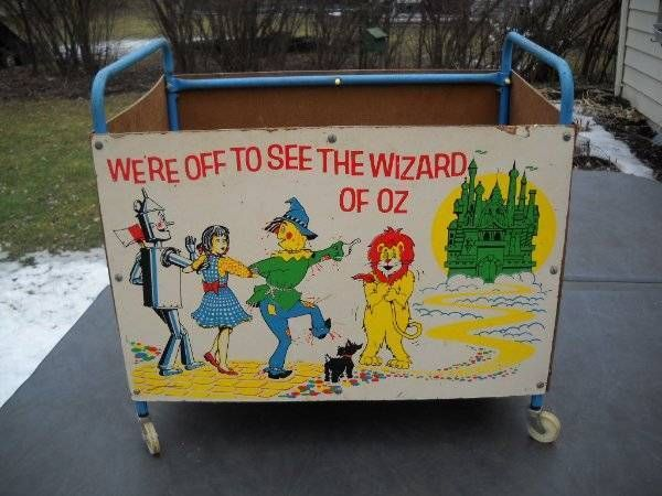 Rare Vintage Wizard Of Oz Toy Box Toy Chest Toybox On Wheels Rare 1960 S Wizard Of Oz Toys Toy Chest Toy Boxes