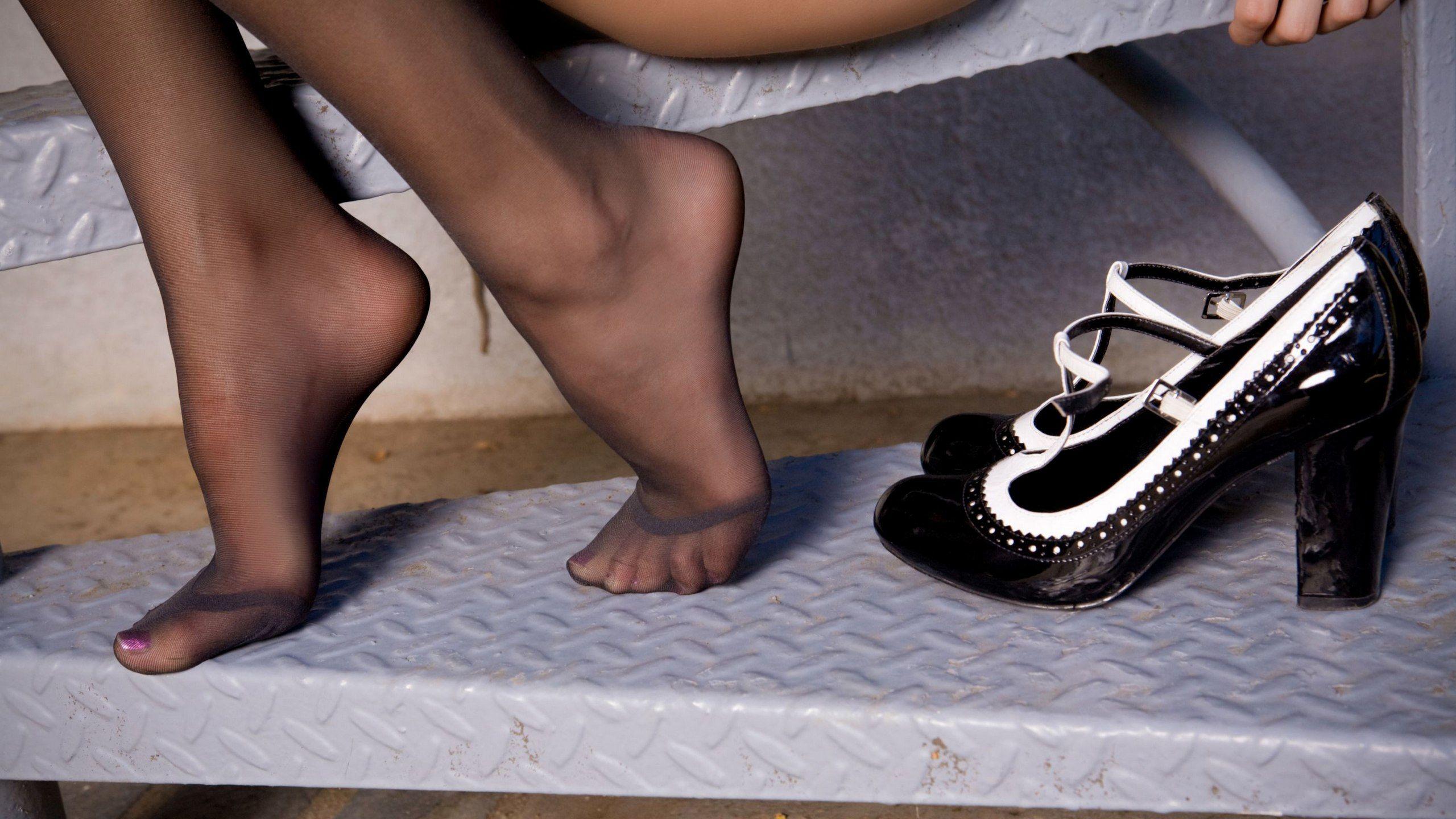 Footjob Stockings 108